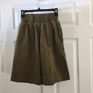 Britches olive elastic waistband shorts